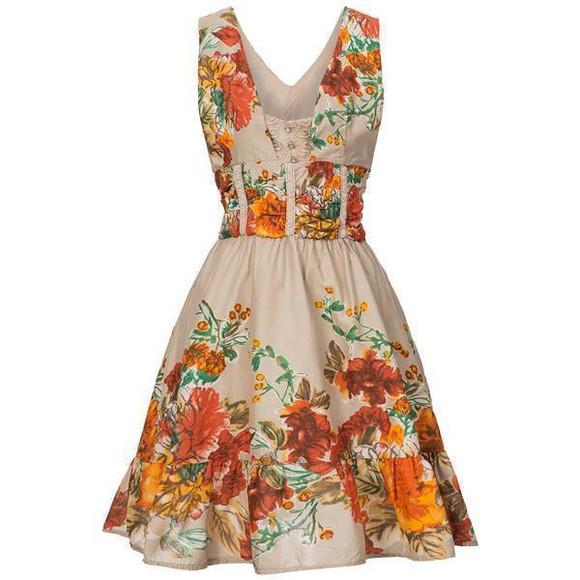Geblümtes Sommerkleid im Dirndl-Stil